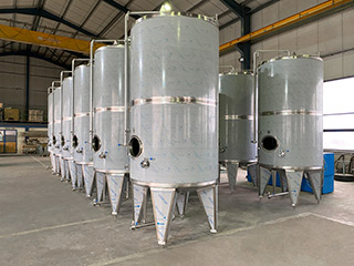 Manufacture of wine containers